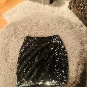 Lulus sequin mini! Mint condition. Let's sparkle!